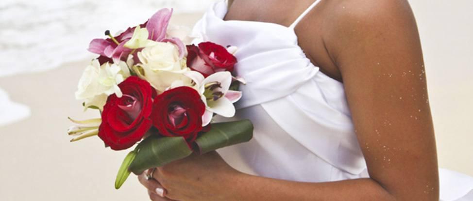 Summer Snaps: Grand Cayman Weddings thumbnail