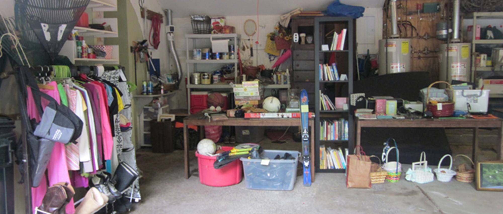 Downsize Yourself! Garage Sale Tips thumbnail