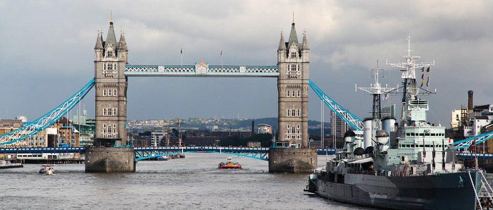 London by Bus & Boat thumbnail
