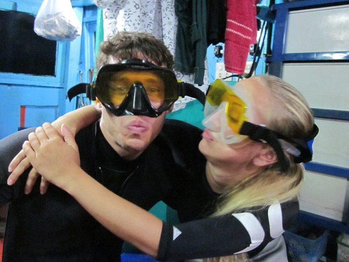 UV Night Diving Koh Tao