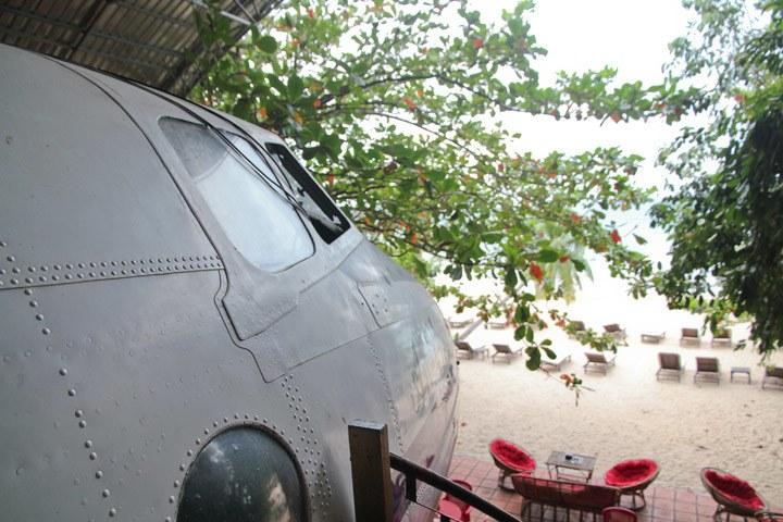 Airport Lounge Bar, Sihanoukville