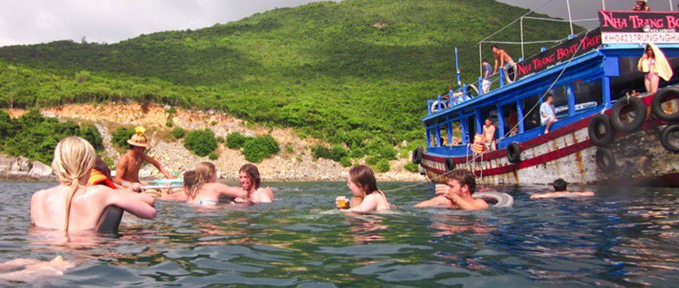 The Nha Trang Party Boat thumbnail