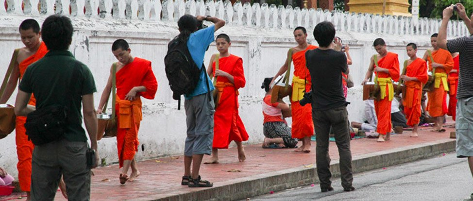 Tourists Behaving Badly thumbnail