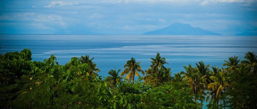 Circumnavigating Eden: A Walk Around Malapascua thumbnail