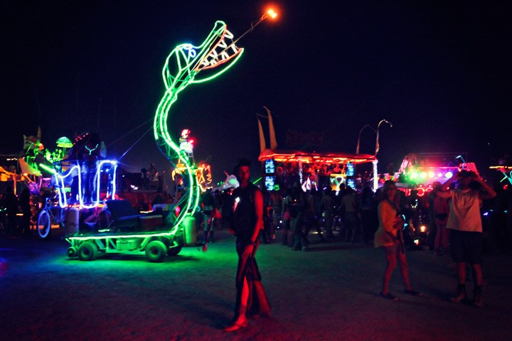 Night 004 - BURNING MAN: LET'S BURN