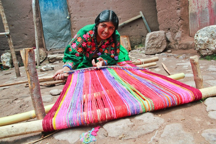Weaving Community at Lake Titicaca