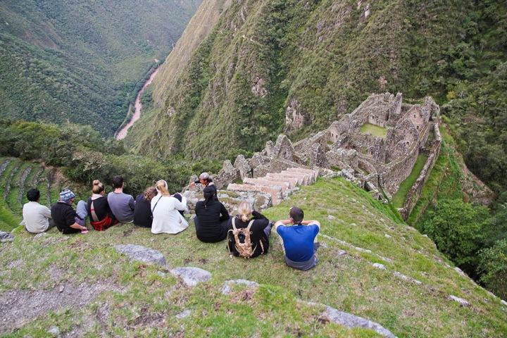 Hikers at Winay Huayna