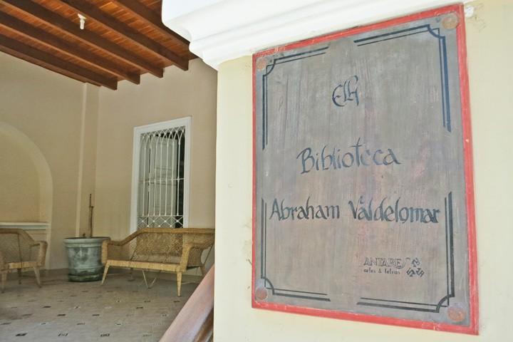 Huacachina Library