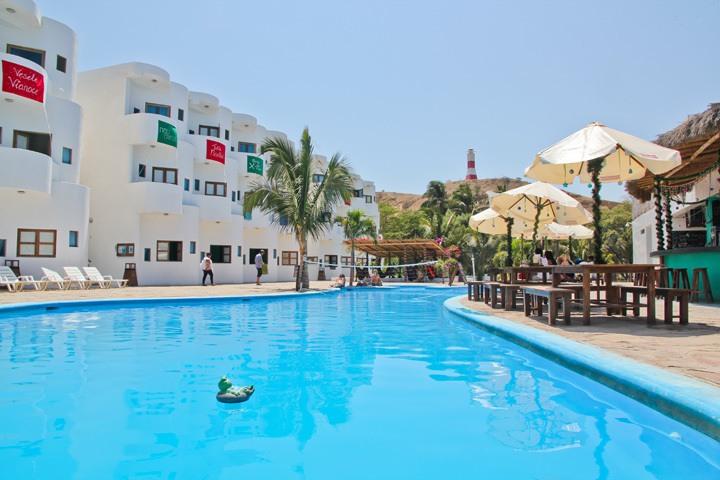 Loki Mancora Pool