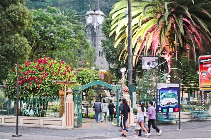Downtown Banos