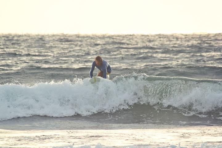 Surfing in Montanita