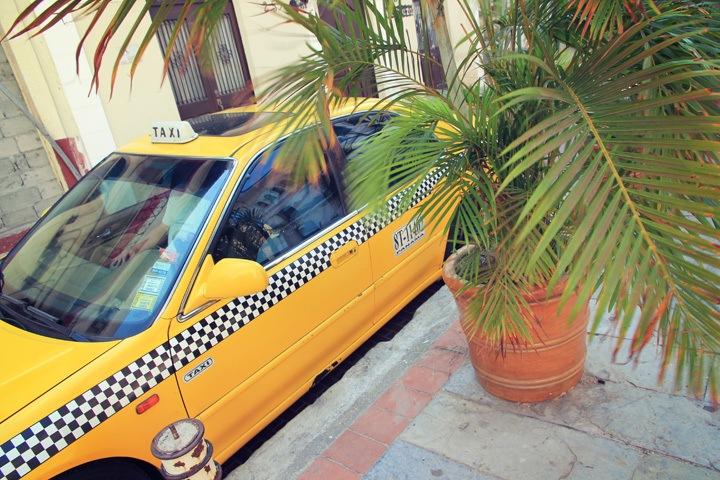 Yellow Cab in Casco Viejo