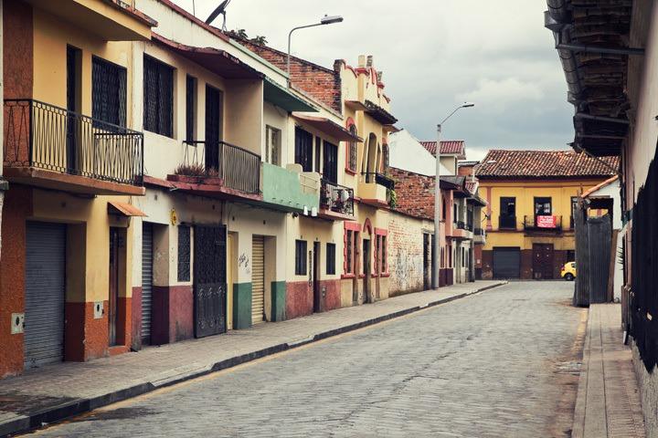 Sidestreet in Cuenca, Ecuador