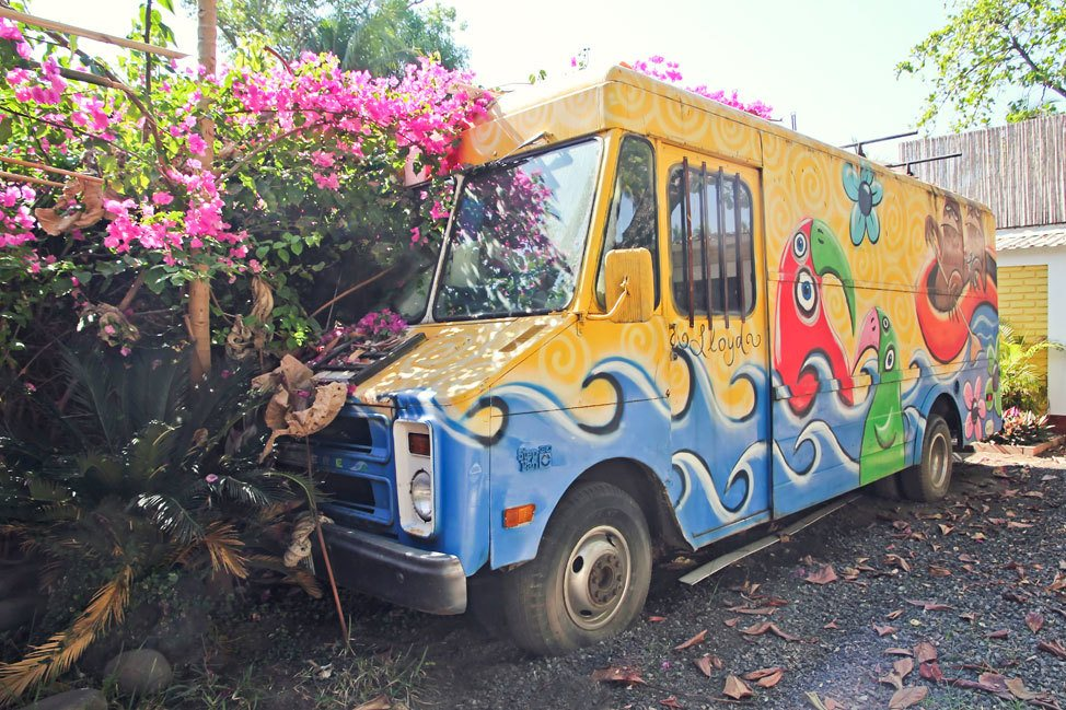 Painted Truck in El Tunco
