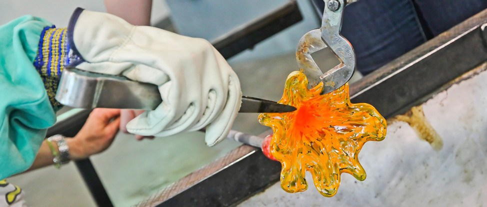 Mind Blown: Glass Blowing at the Corning Museum of Class thumbnail