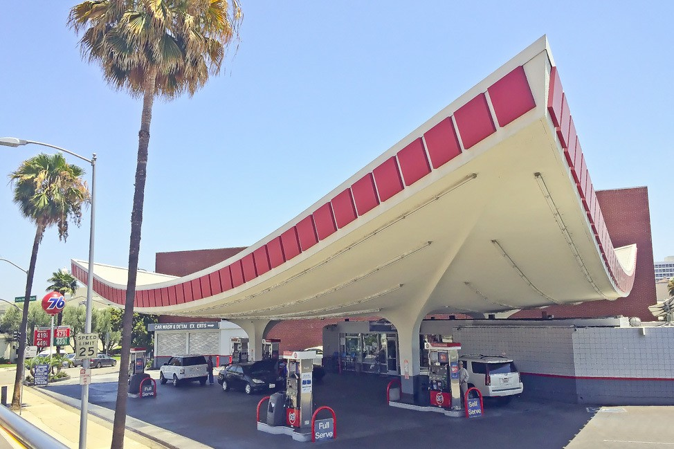Los Angeles Gas Station