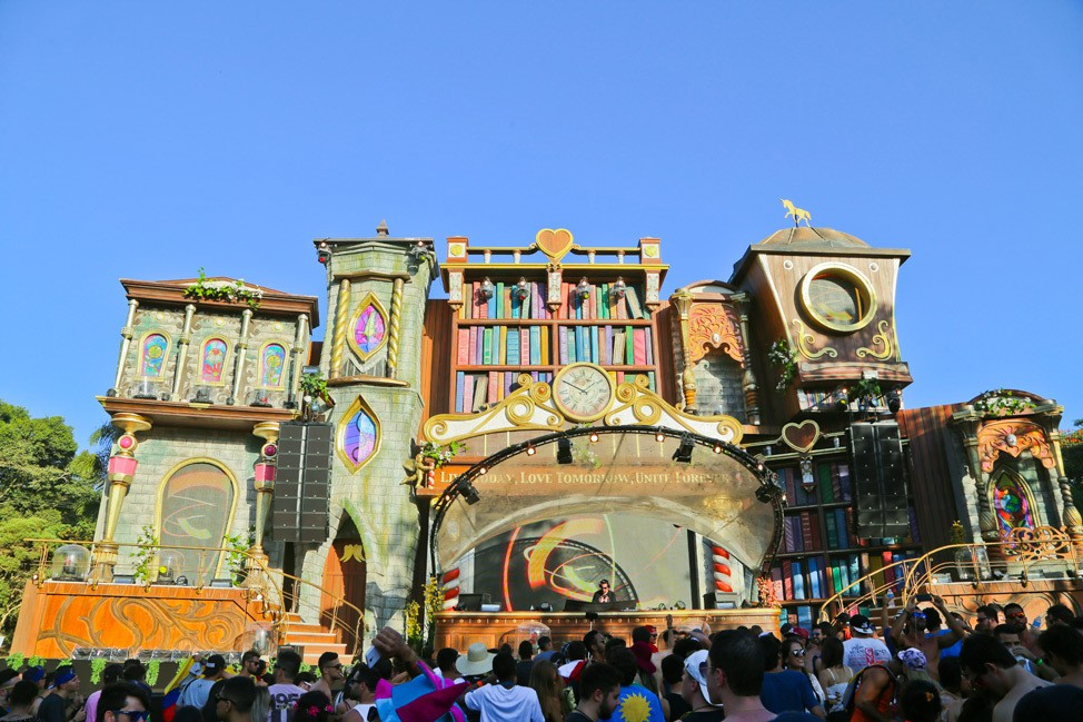 Tomorrowland Brasil Survival Guide