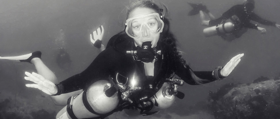 Two Tanks Are Better Than One: My Review of the PADI Sidemount Course thumbnail