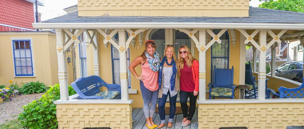 The Travel Trio Reunited in Martha's Vineyard thumbnail