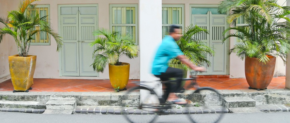 Experiencing Penang's Magical Street Art thumbnail