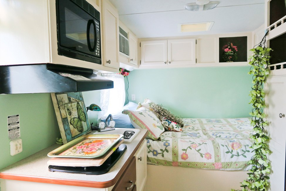 Camper Van in Decatur, IL