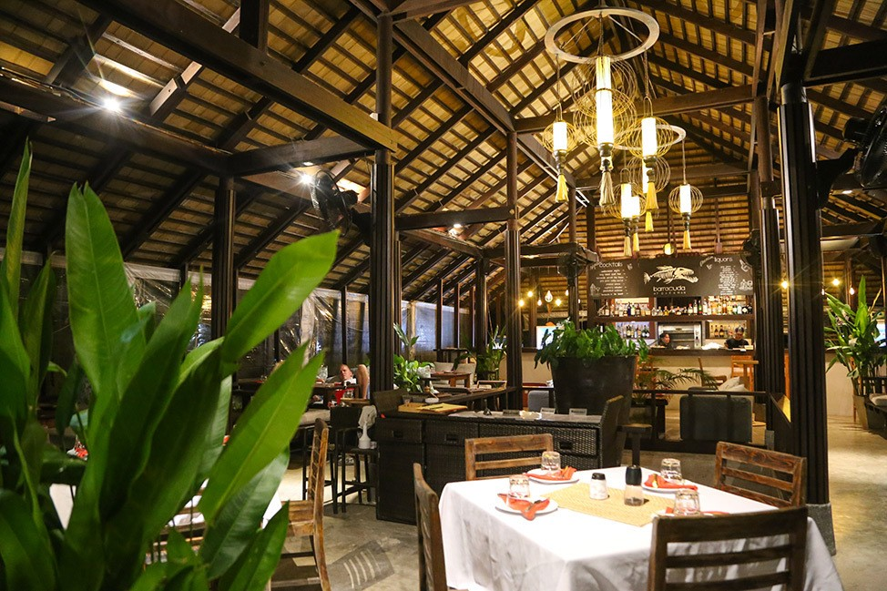 Dinner at Barracuda at Darawan, Wander Women Retreats, Koh Tao, Thailand