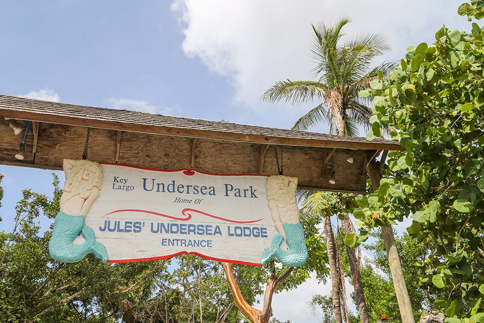 Welcome sign to Jules Undersea Lodge in Key Largo, Florida