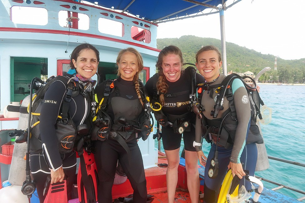 Review of the PADI Dive Against Debris Specialty Course with Master Divers on Koh Tao