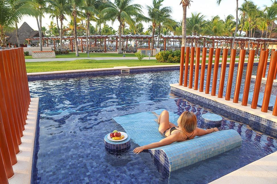 Barceló Maya Caribe Pool