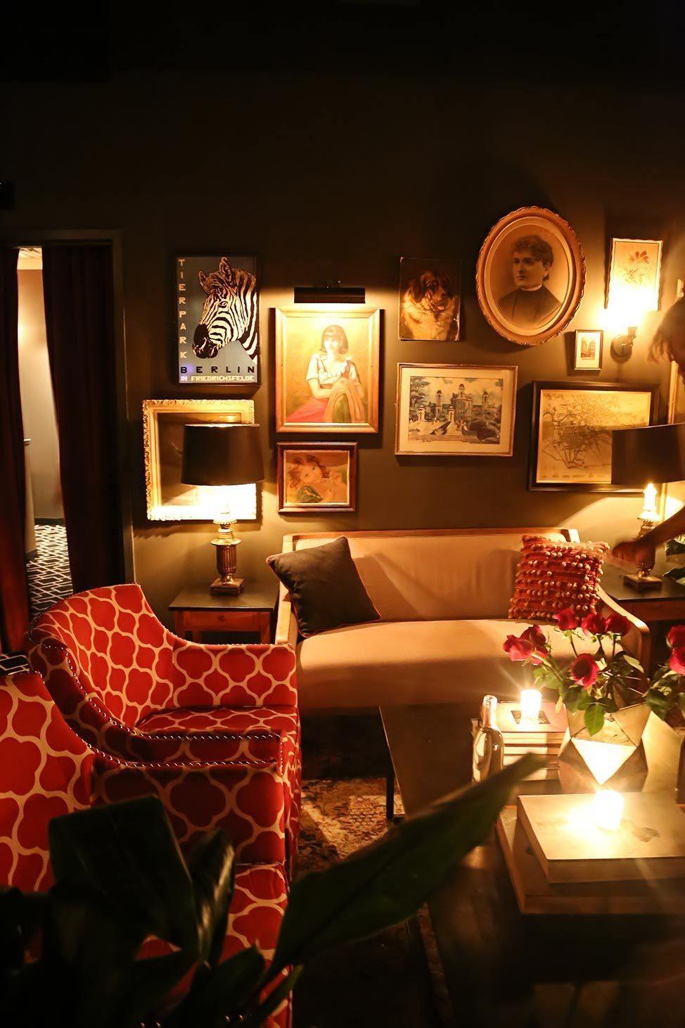 The Berlin Lounge, Troy