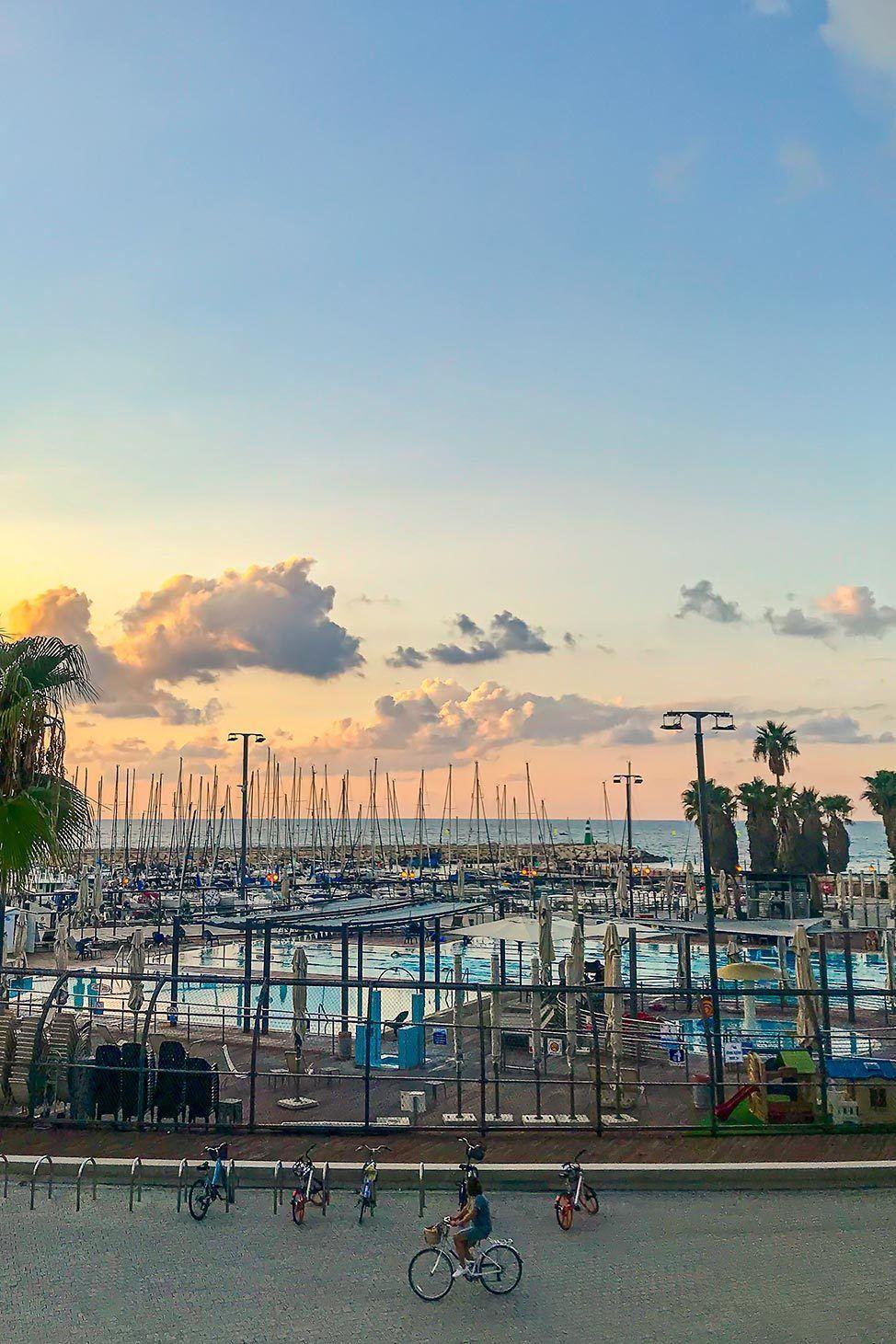 Tel Aviv Travel Blog Guide