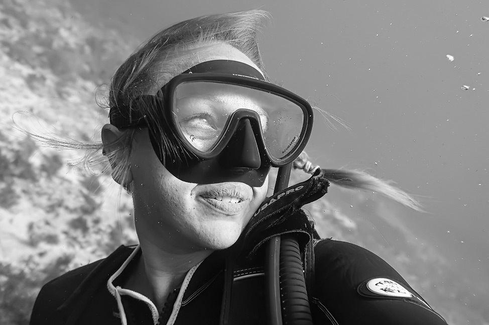 Scuba Diving Punta Negra drift dive in Isla Mujeres, Mexico