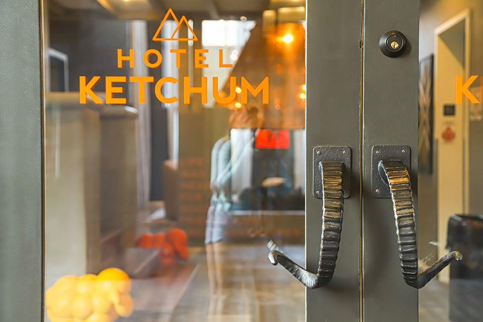 Hotel Ketchum Lobby