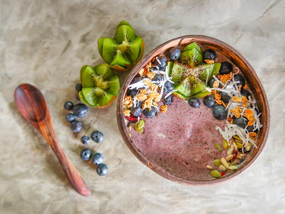 Wander Women Virtual Retreat delicious tropical smoothie bowl