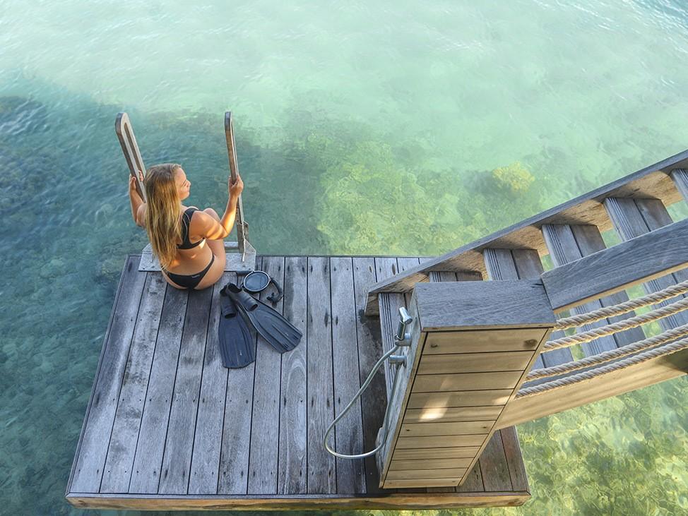 Wander Women Virtual Retreat Alex in Wanderland snorkeling from dock