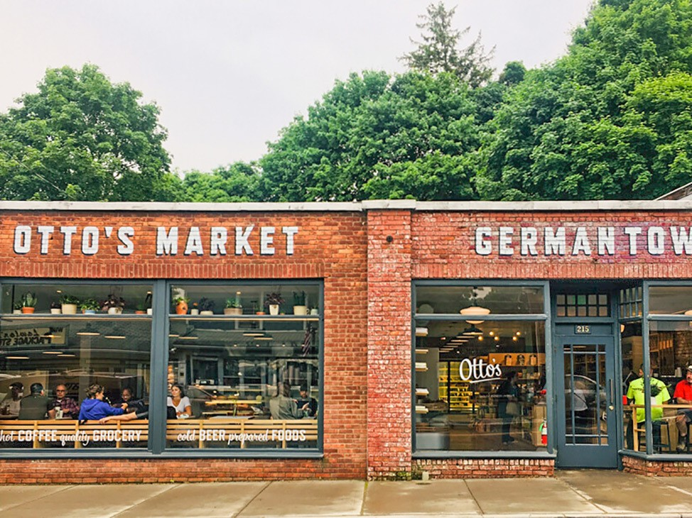 Wander Women Hudson Valley: adorable downtown Germantown in the Hudson Valley