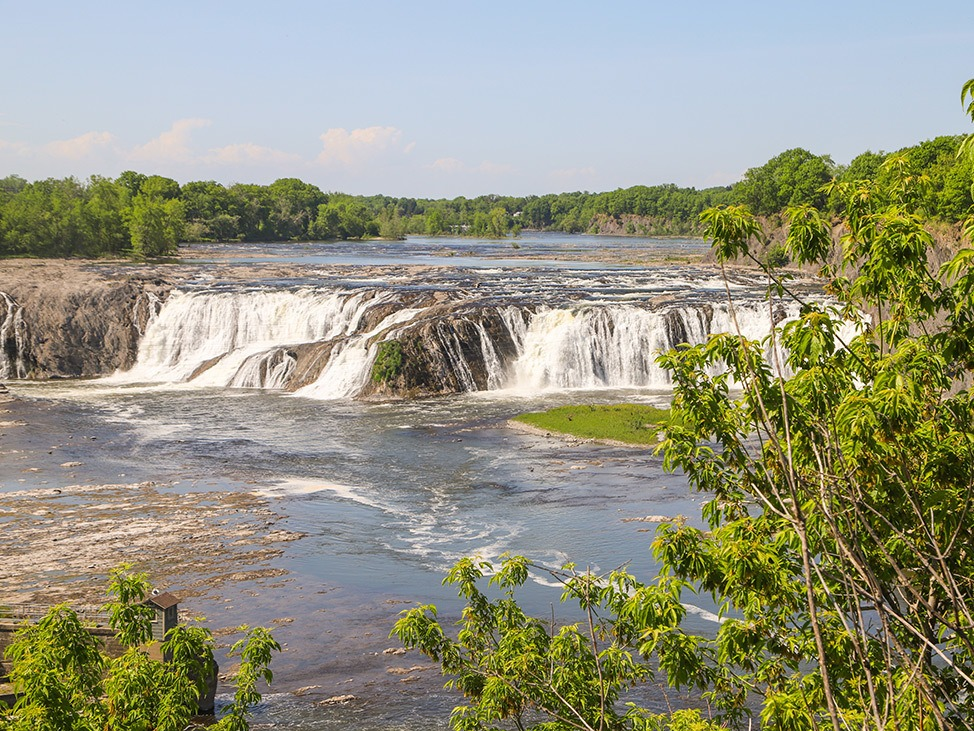 Wander Women Hudson Valley: beautiful waterfalls in New York